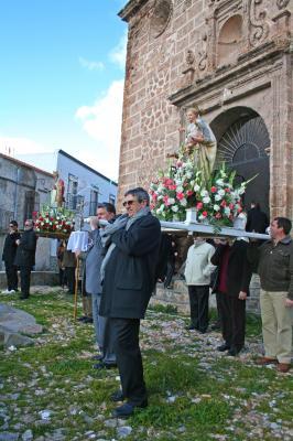 20090209135942-encierro-de-los-santos.jpg